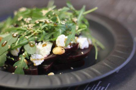 salat-iz-svekly-i-rikotty-11