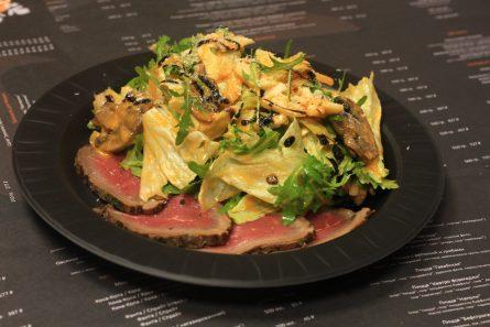 salat-s-rostbifom-i-artishokami-03
